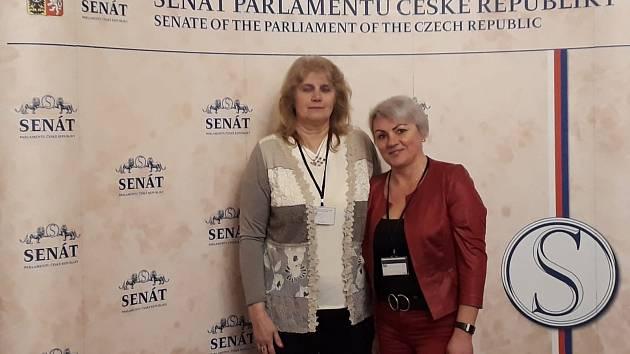 Hana Hoffmannová (vpravo)  s Marií Ferencovou z Vu3V Žlutice z Karlovarského kraje.