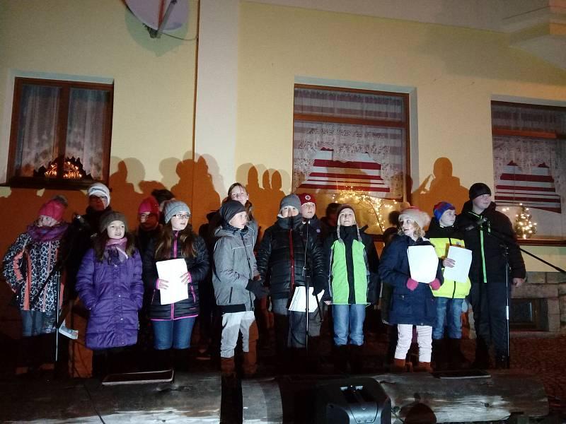 V Bělé nad Radbuzou se sešly přes dvě stovky zpěváků.