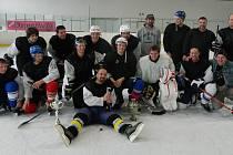 Hokejisté SK Luženice, vítězové turnaje O putovní samovar.