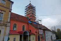Již nyní je na kostel sv. Jana Nepomuckého příjemnější pohled než v minulosti.