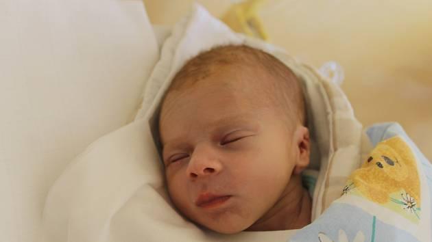 JIří Nohel z Domažlic se narodil v domažlické porodnici 5. listopadu ve 22:34 (2780 g, 52 cm).