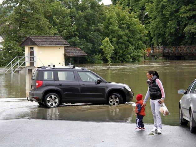 Velká voda ve Staňkově.