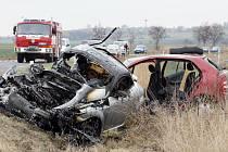 Na silniční karambol není nikdy pěkný pohled, zvláště pak v případě, kdy vyhasnou lidské životy. Ilustrační foto.
