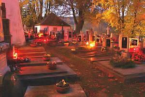 Loučimský hřbitov.