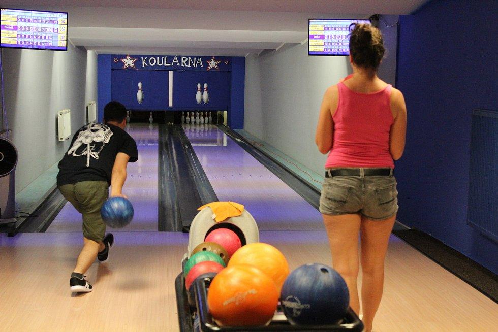 V oblíbenosti provozování sportovních aktivit v celostátním průzkumu Národní sportovní agentury vyhrál bowling. V našem regionu skončil v anketě Deníku druhý.