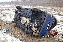 První březnový den ráno havarovala na silnici I/20 na Kočárku řidička VW Transportér z nákledem piva.