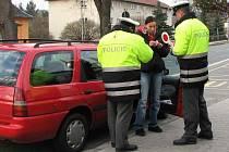 Policisty je letos možné potkat na silnicích našeho regionu daleko častěji než v minulosti.