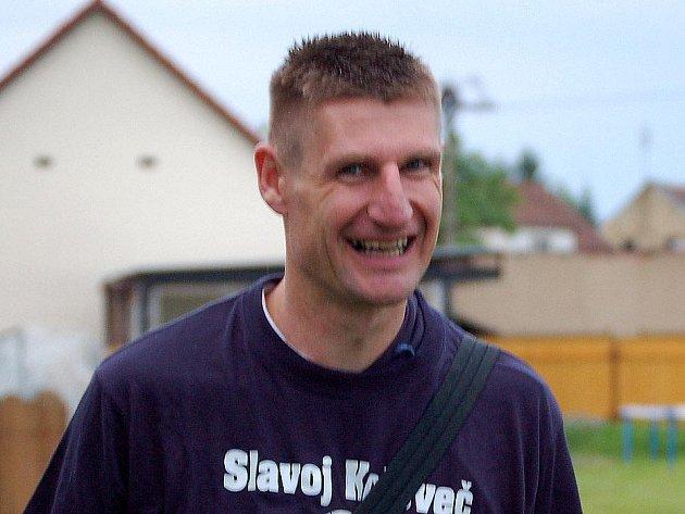 Petr Vlček na archivním snímku z postupových oslav v Kolovči.