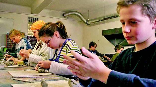 ŠIKOVNÉ RUCE prověří Kreativní dílna v Dominu. Koná se tam několikrát do roka.