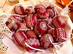 CHODSKÉ STRAKY patří neodmyslitelně k symbolům Velikonoc, říká ředitel Muzea Chodska Josef Nejdl.