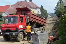 Rekonstrukce silničního průtahu Klenčím. Snímky jsou pořízené v sobotu odpoledne.