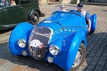 Jediný svého druhu je tento Peugeot 402 z roku 1938 vybavený na zakázku vyrobenou aerodynamickou karosérií.