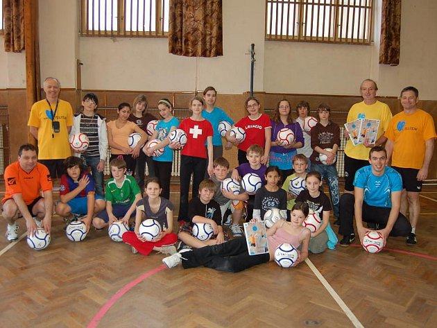 Z tréninku fistballu v poběžovické škole
