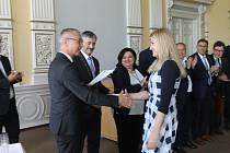 Certifikát je mezinárodní, studenti se tak mohou uplatnit i v zahraničí na trhu práce.