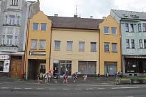 Dům služeb bude přestavěn na novou městskou polikliniku.