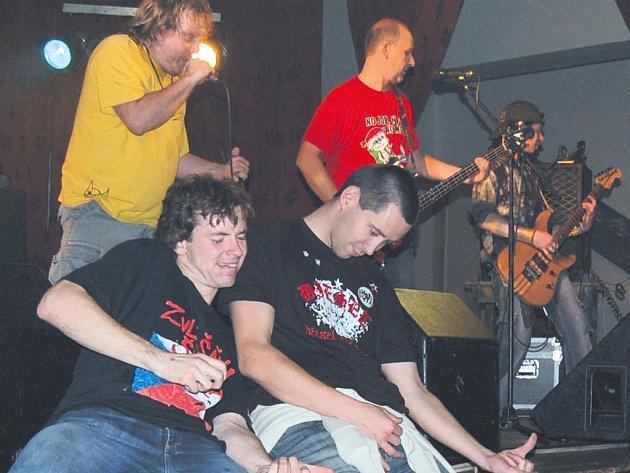 Zvlášňý škola odehrála v sobotu poslední letošní koncert v Horšovském Týně.