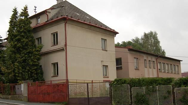 Areál bývalých jeslí v Benešově ulici by mohl nově sloužit klientům s těžkými nemocemi.