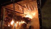 Likvidace požáru stála hasiče mnoho úsilí.