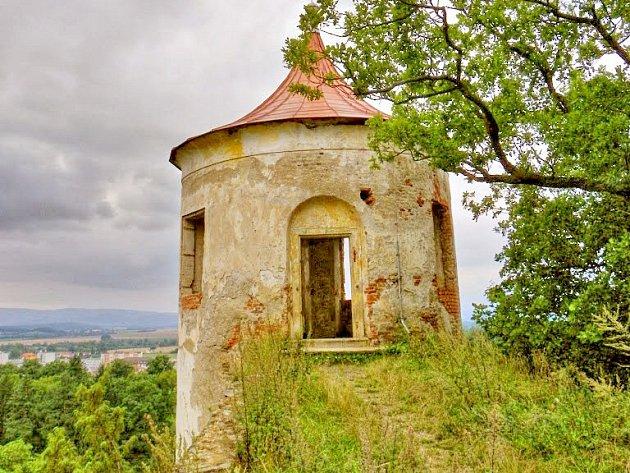 Vyhlídková věž v Zámeckém parku.