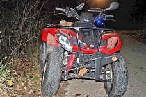 Ve středu 10. listopadu večer havaroval u Tlumačova 55letý řidič čtyřkolky.