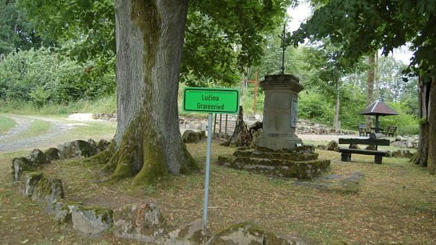 Procházka zaniklou obcí Lučina (Grefenried).