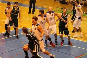 Basketbalisté Domažlic na archivním snímku.