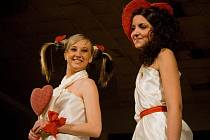 Modelky z Delija Models Klatovy na valentýnské módní šou v Holýšově.