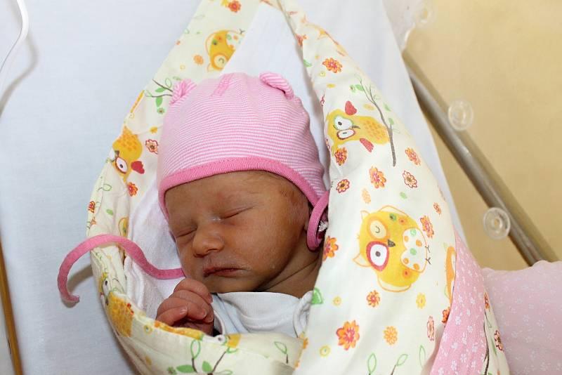 Michaela Tumpachová z Domažlic senarodila v domažlické porodnici 15. března v 19:08. Její váha byla 3 230 gramů a míra 49 centimetrů.