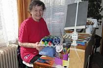 JIŘINA LACINOVÁ. Zastihli jsme ji za jejím malířským stolečkem a jak jinak, než s vejci.výroby, a její vajíčka.