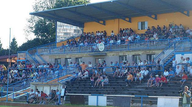 Na čtyři sta diváků přilákal ve Stodě pouťový zápas domácího Slavoje Stod s třetiligovou Jiskrou Domažlice.