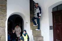 Z návštěvy Dolní brány v Domažlicích. Čtyřpatrovou branou mne provedl Stanislav Antoš, vedoucí Městské informační služby MKS Domažlice.