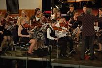 Dva galakoncerty absolvovali o víkendu žáci uměleckých škol z Domažlic a Furthu im Wald.