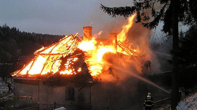 Požár v Pivoni.