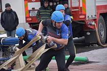 Novovesští hasiči na Ice cupu 2017.