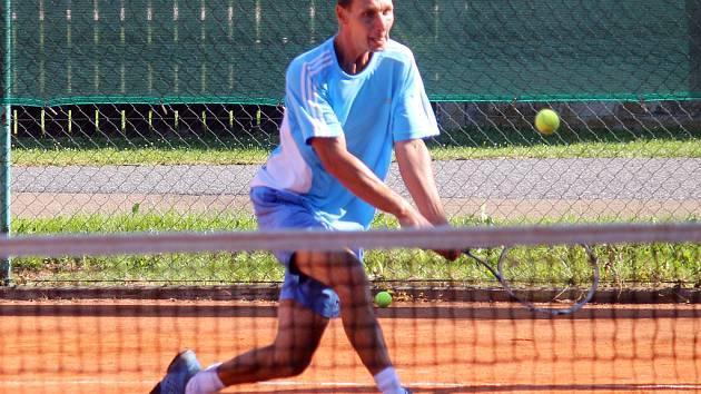 Z tenisového turnaje v Kolovči.