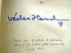 Do kroniky Mířkova se při návštěvě Domažlic podepsal prezident Václav Havel.