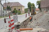 Z výstavby kanalizace v Meclově.