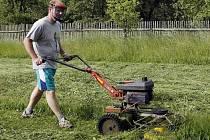 Sekání trávy. Ilustrační foto.