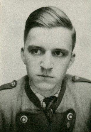 Wolfram Dames na jaře 1943, před nástupem kvojenskému letectvu Luftwaffe.
