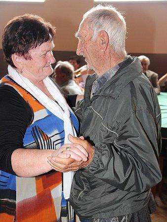 Devadesátiletý František Veber vyzval ktanci Martu Thomayerovou.