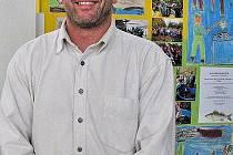 Ředitel ZŠ Mrákov Vladimír Duffek si váží práce celého pedagogického sboru.