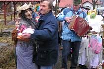 Jeden z posledních masopustů na Domažlicku slavili v Podzámčí u Kdyně.