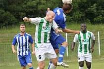 Fotbalisté FC Chomutov s Jiskrou naplno bodovali.