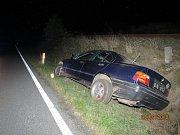 Řidič na voze způsobil škodu 2 tisíce a na značce a označníku 10 tisíc korun.