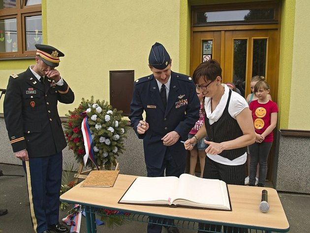 Oslavy výročí osvobození v Pocinovicích.