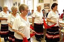 Seniorský taneční klub slavil desáté narozeniny.
