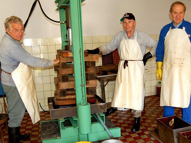 Zahrádkáři ze Kdyně zde za třiapadesát let zpracovali už  sedm set šedesát tun ovoce.
