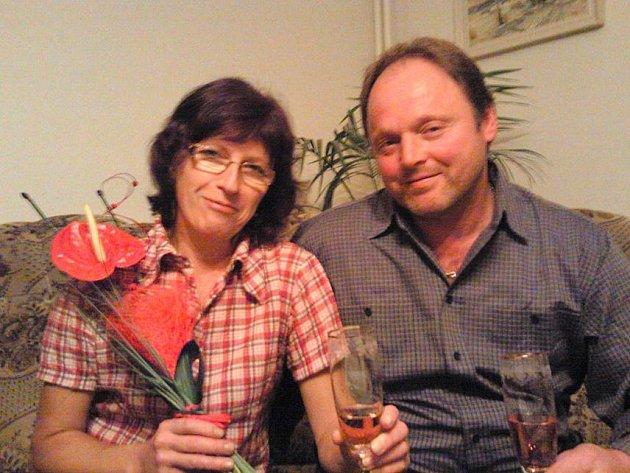 20. výročí svatby oslavili 20. 10. 2010 manželé Ludmila a Jan Bauerovi z Pasečnice.