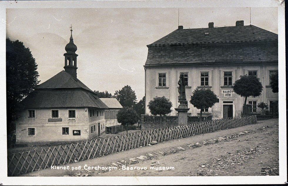 Baarův dům a bývalá radnice.