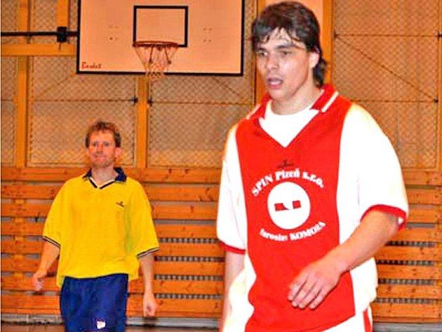 HATTRICK JE PRO AMATÉRY. Na snímku Jan Procházka, který v zápase proti Karlovým Varům vsítil rovnou pět gólů a přispěl tak k vysoké výhře 11:1.